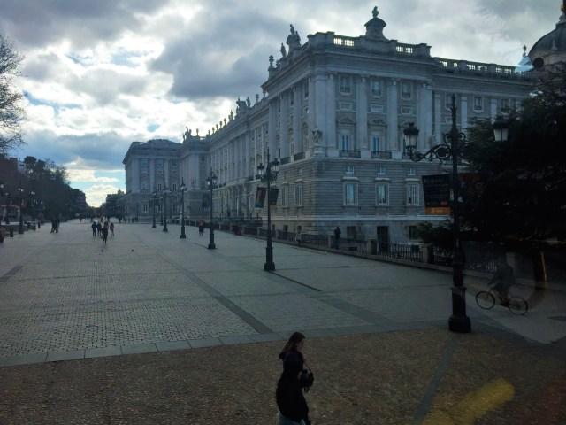 < Royal Palace >