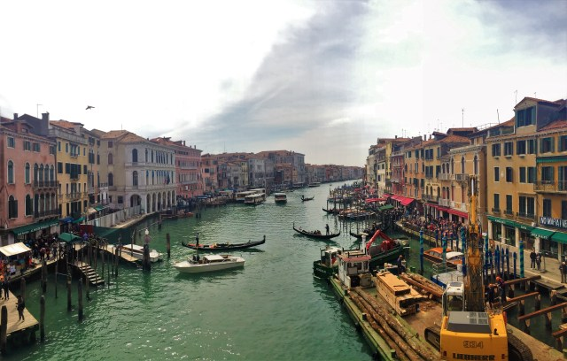 < Grand Canal >