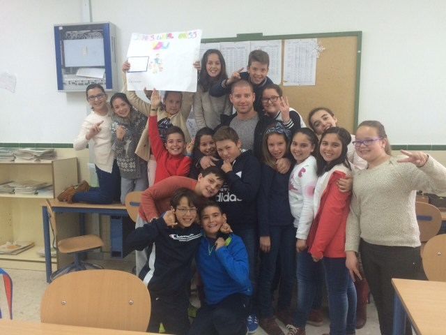 James and his students at CEIP Virgen del Carmen