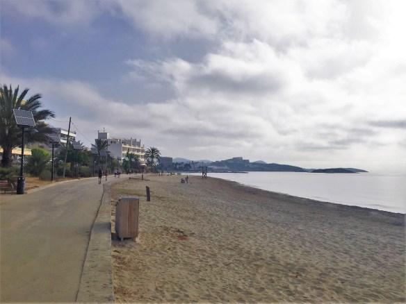 < Playa d'en Bossa >