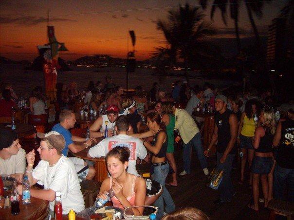 < Acapulco Spring Break >