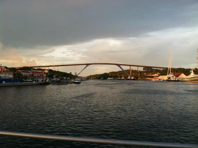 <Curacao Big Bridge>
