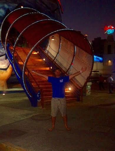 < Hard Rock Acapulco >