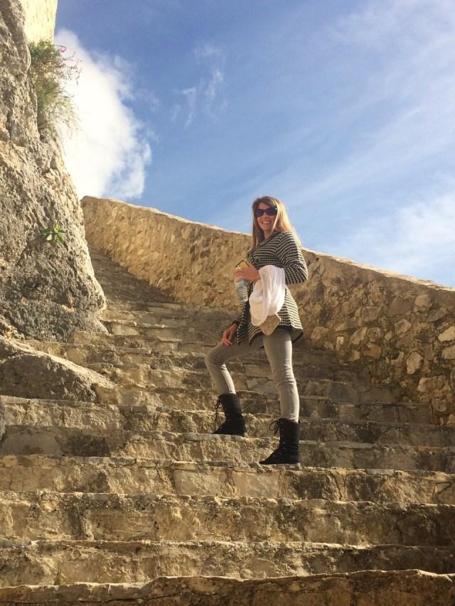 < Ancient Arab castle >
