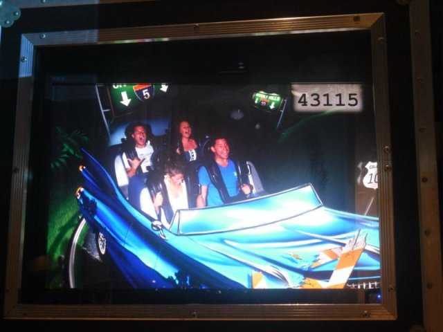 < Rock'n Roller Coaster >