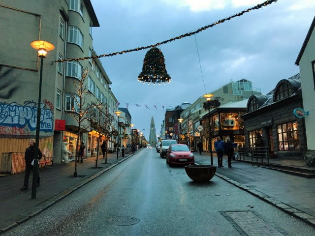 < Christmas in Iceland >