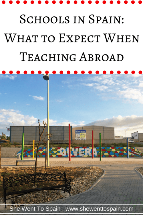 If you've decided to teach in schools in Spain, you might not know what to expect. You'll never know until you try. But this post may help you prepare.