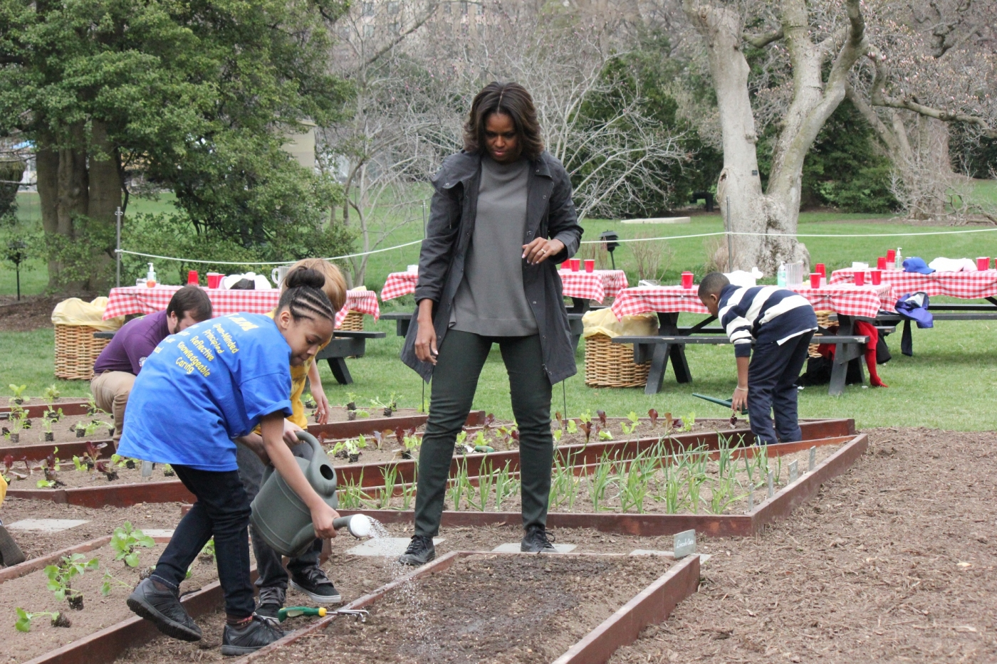 Kids Foodcorps Volunteers Help First Lady Plant Kitchen
