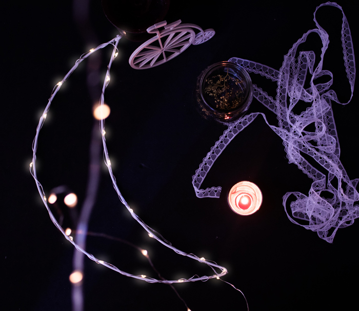 How To Make A Fairy Light Moon - Urban Outfitters Inspired