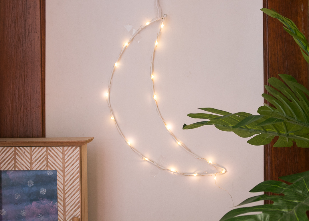 How To Make A DIY Fairy Light Crescent Moon - Urban Outfitters Inspired