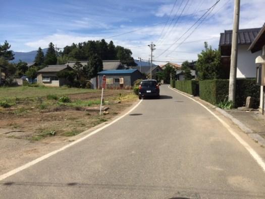 東側に接する道路 R1.10撮影