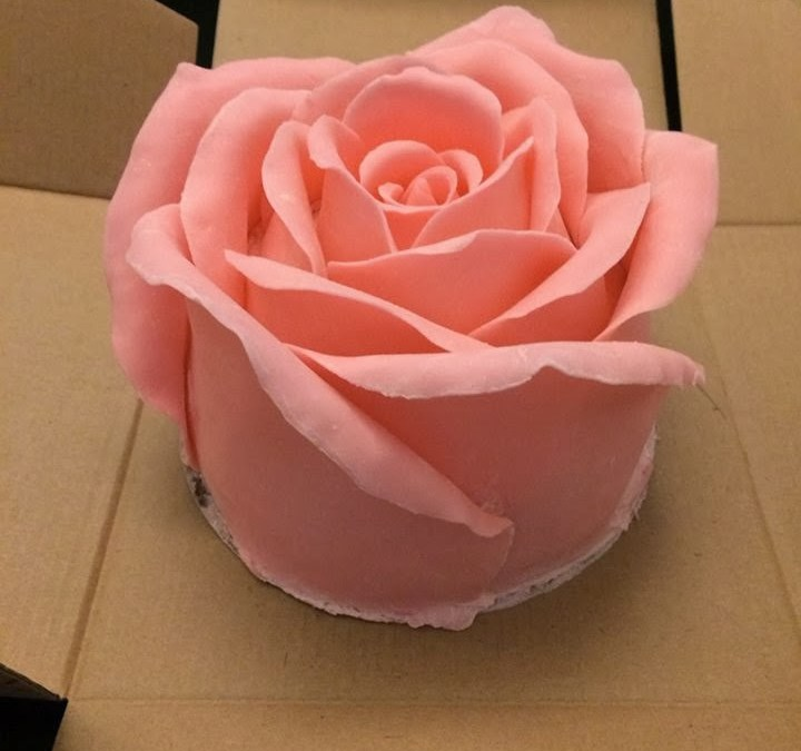 Big Rose Cake for Valentine's & Mother's Day – with recipe & video