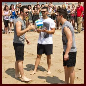 jonasbrothers-volleyball-070813