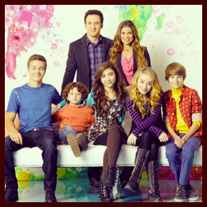 """First Look: Cory & Topanga Join their Kids & Friends in First """"Girl Meets World"""" Cast Portrait"""