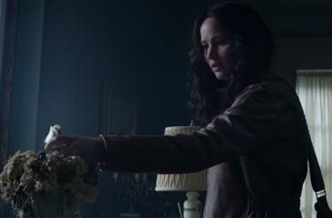 Katniss Returns to District 12 in New 'Mockingjay' Sneak Peek