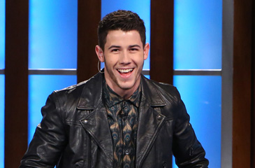 "Nick Jonas Drops Trou & Performs ""Jealous"" on the Ellen Show"