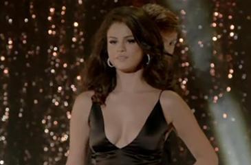 Selena gomez sexy love