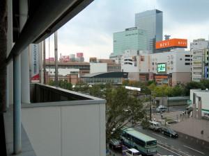 仙台駅東口。地元の方には駅裏と呼ばれているようです