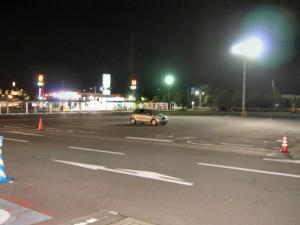 この日は仕事が終わった時間が遅くて、帰りにヨークベニマルに行ったら僕以外誰もいなくなってしまいました。こんなに広い駐車場なのにしょんぼり