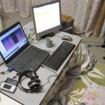 実家での労働環境。5 月 2 日深夜に撮影。PC DEPOT へはマウスパッドを買いに行きました。ヘッドフォン・アンプを買おうと心に決めました。