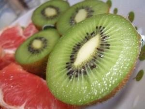 ゼスプリ・グリーンと赤いグレープフルーツ。