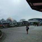 名古屋港水族館の外観。