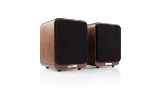 Ruark-MR1 Walnut 01a.jpg