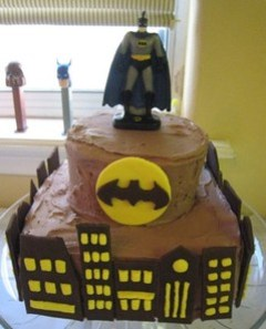 982cityBatman-city-cake-sm.jpg