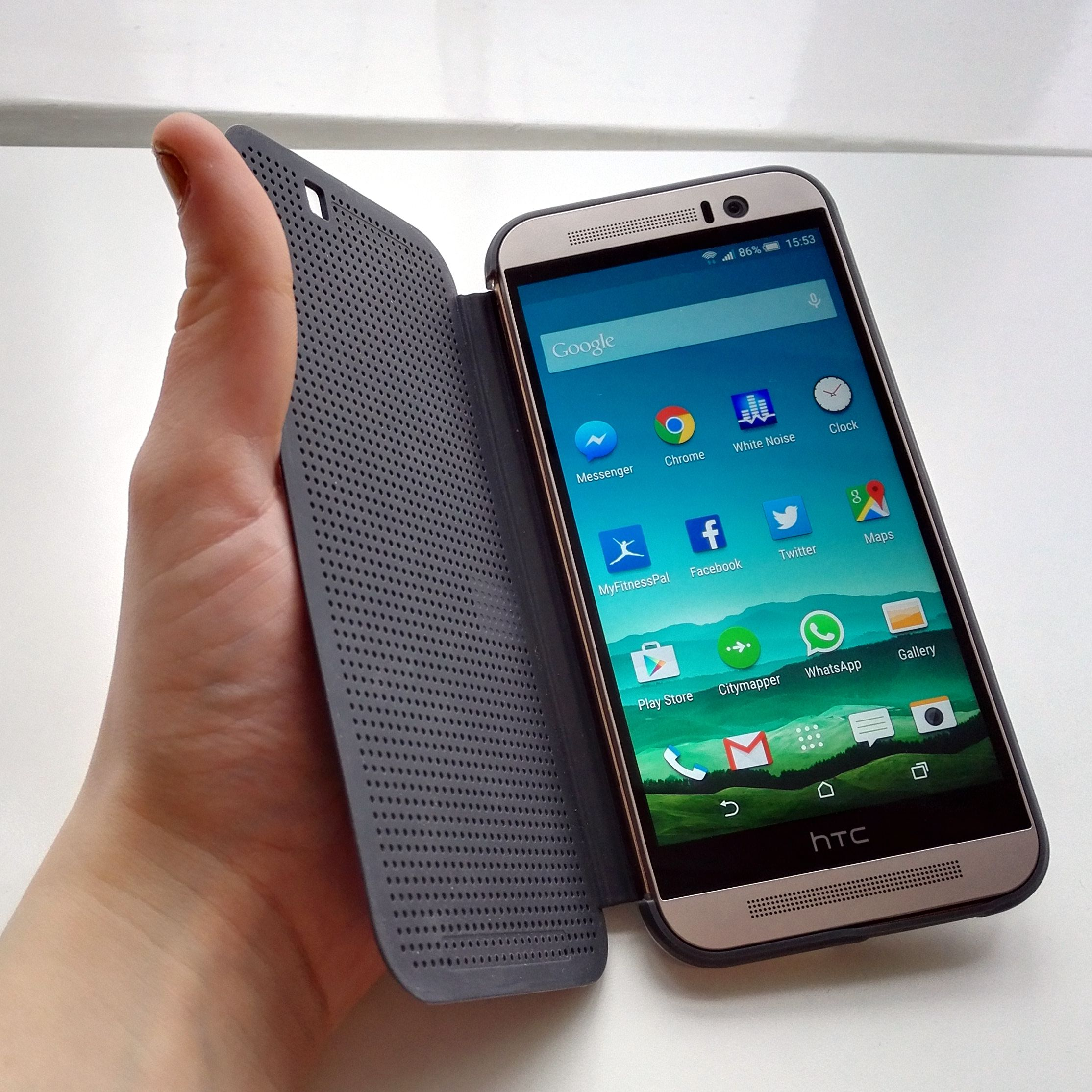 htc one m9 dot view case review 8 bit cool for the smartphone age
