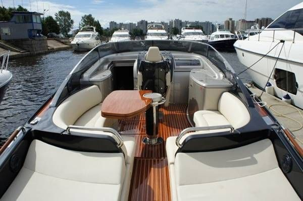 riva rivarama super 44 super cruised power boat used. Black Bedroom Furniture Sets. Home Design Ideas