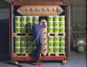 Drummed cargo being secured with airbag dunnage - http://ntpackaging88.pixnet.net/blog