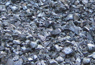 lumpy manganese ore that is generally loaded loose in a container