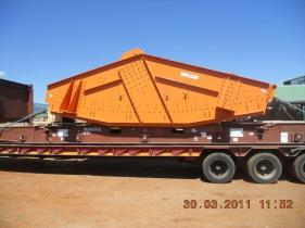 mining screen on a flatrack container
