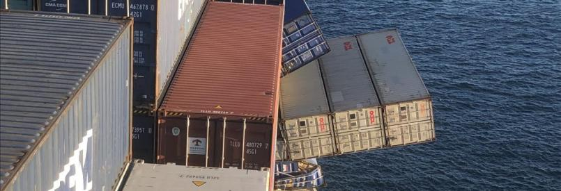 APL England container falling