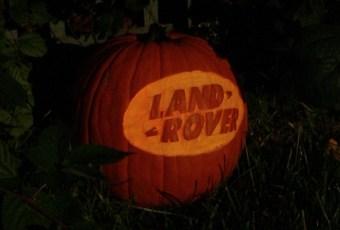 land-rover-pumpkin-590x400e