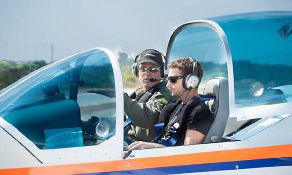 הטסת מטוס עם מדריך
