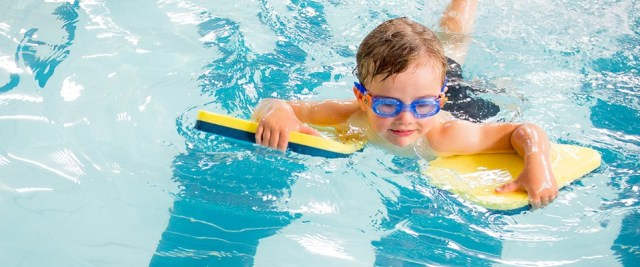 toddler-swimming-lessons-hampshire