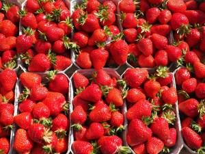 strawberries-499118_1280