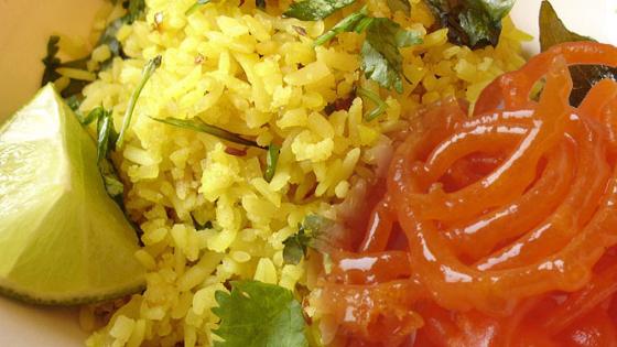 indore famous breakfast poha jalebi - iReview the iBus