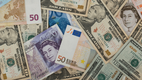 international currencies - How not to get ripped off while exchanging currency?