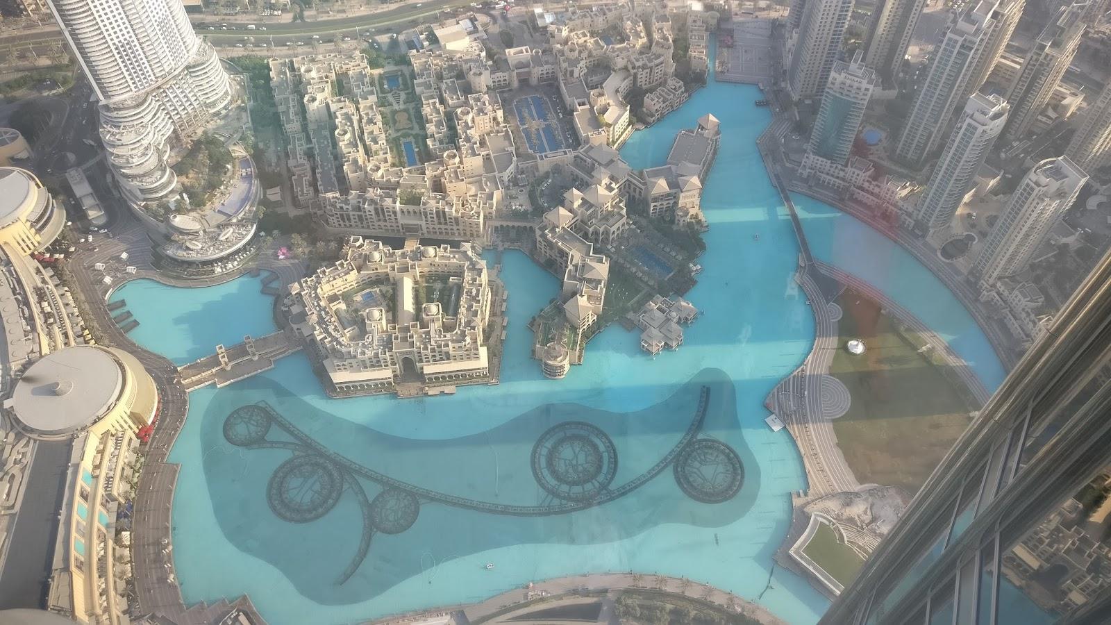 view of the dubai fountain from burj khalifa - Dubai in pictures