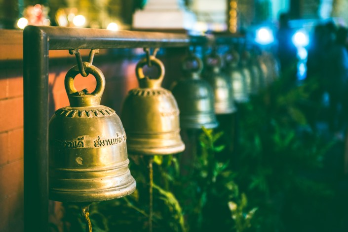 Quelques clichés de voyages: des rues et marchés de nuit de Chiang Mai aux îles de Krabi.