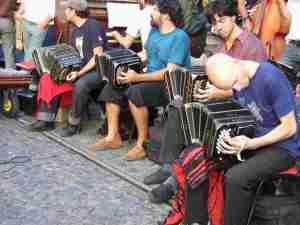 Musicians at Plaza San Domingo market