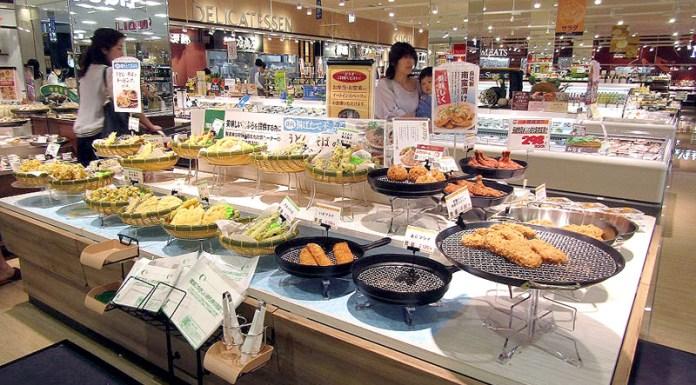 イズミ(広島市)の新業態「LECT」の売場