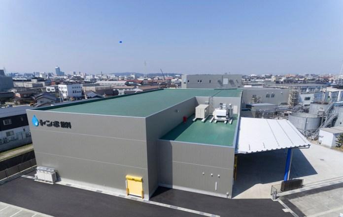 新たに稼働したパウチゼリー工場(トンボ飲料)