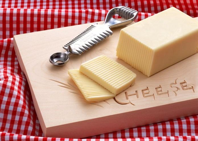 家庭用チーズ 明治 値上げ