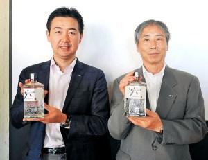清水悟部長㊧と鳥井和之氏(サントリースピリッツ)