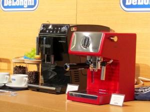 「デロンギ オーテンティカ コンパクト全自動コーヒーマシン(ETAM29510B)」㊧