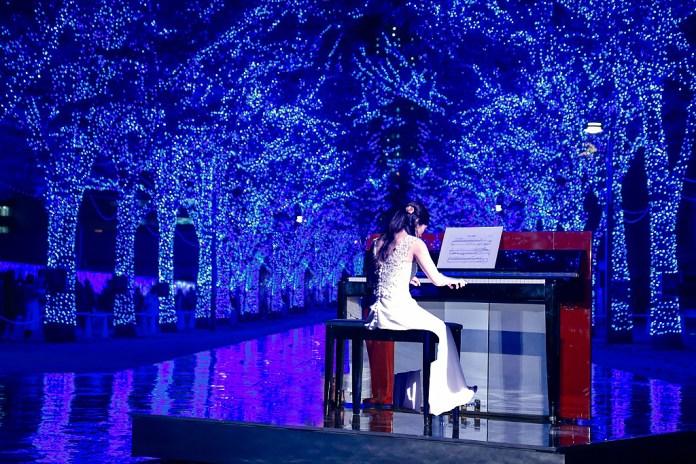 """クリスマス特別イベント『青の洞窟SHIBUYA』presents""""X'mas LOVE SYMPHONY(日清フーズ)"""