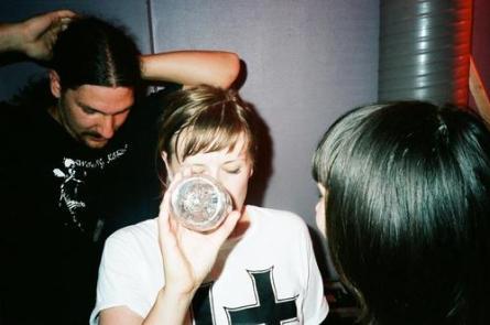 Los tres integrantes de Darl Times, en una pausa